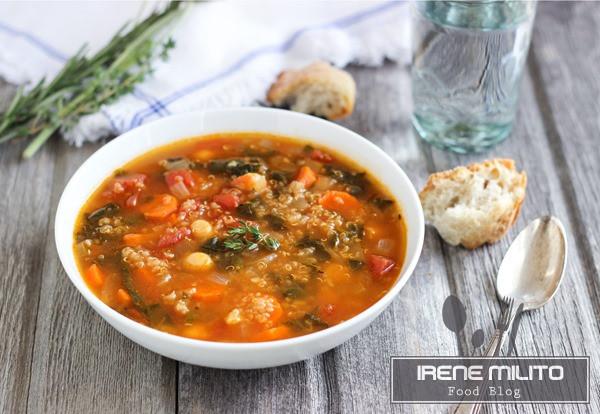 Zuppa di spinaci quinoa e pomodoro