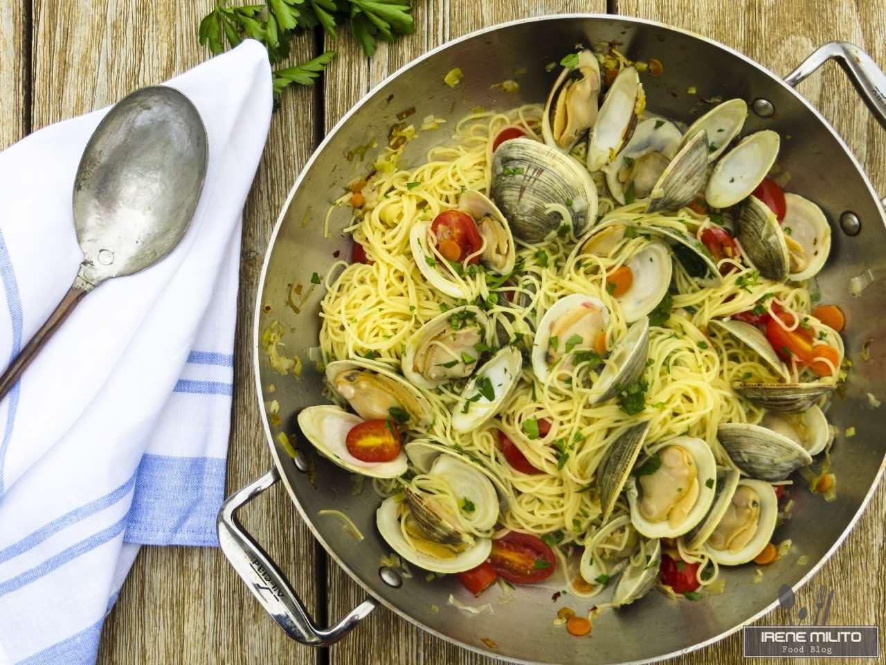 Spaghetti alle vongole veraci con peperoncino
