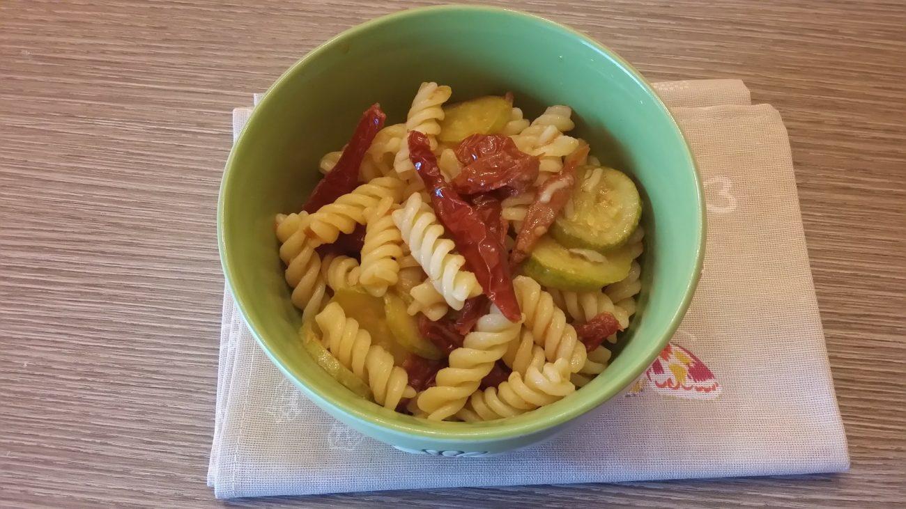 Pasta zucchine e pomodori secchi (Ricette Bimby)