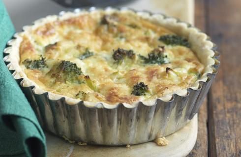 Crostatina di broccoli e scamorza